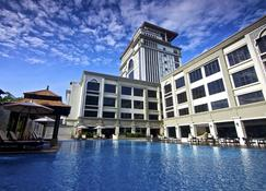 Hotel Perdana - Kota Bharu - Building