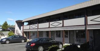 Seatac Inn and Airport Parking - SeaTac