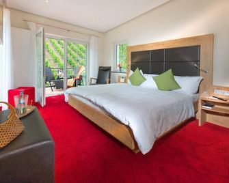 Hotel & Restaurant Zur Traube - Urzig - Bedroom