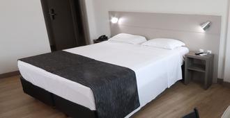 Hotel Valerim Itajaí - Itajaí - Habitación