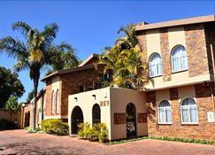 Glen Marion Guest House - Pretoria - Building