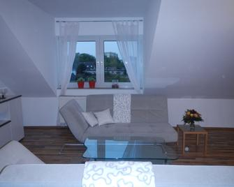 Großzügiges Zweiraumapartment Troisdorf - Troisdorf - Living room