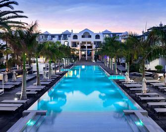 Barceló Teguise Beach - Adults only - Costa Teguise - Zwembad