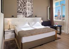Cornaro Hotel - Split - Schlafzimmer