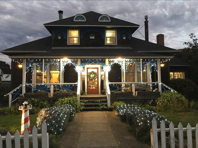 Country Inn Bed and Breakfast - Fort Bragg - Building