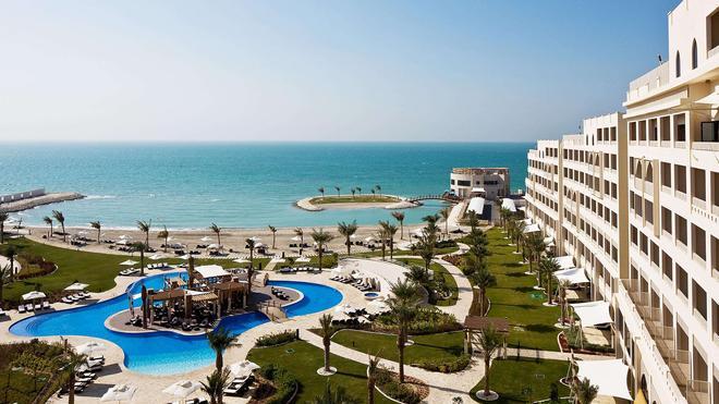 Sofitel Bahrain Zallaq Thalassa Sea & Spa - Manama - Bể bơi
