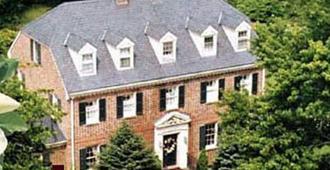 Magnolia Manor Bed and Breakfast Inn - Williamsburg - Building