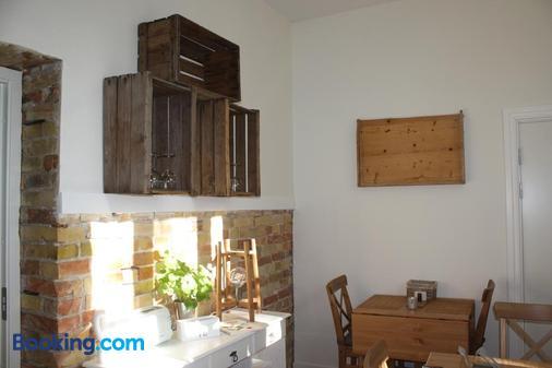 Wramsta B&B - Tollarp - Dining room