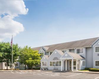 Microtel Inn & Suites by Wyndham Seneca Falls - Seneca Falls - Building