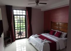 Answer Hotel - Puerto Galera - Slaapkamer