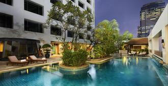 曼谷阿瑪瑞中庭酒店 - 曼谷 - 游泳池