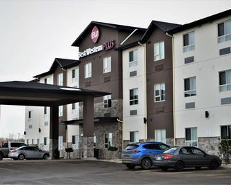 Best Western PLUS Moosomin Hotel - Moosomin - Building