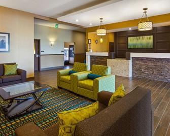 Best Western PLUS Moosomin Hotel - Moosomin - Lobby