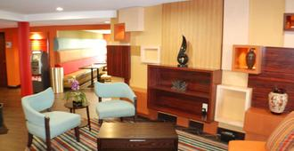 Holiday Inn Express Nashville W I40/Whitebridge Rd - Nashville - Stue