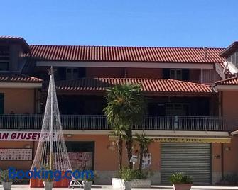 Il Bel Risveglio - Atena Lucana - Edificio