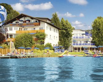 Barry Memle Lake Side Resort - Velden am Wörthersee - Gebouw