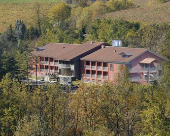 Hotel Langhe and Monferrato - Costigliole D'Asti - Building