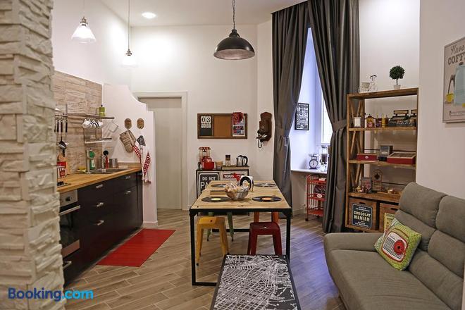 M99 Design Rooms - Naples - Hotel amenity