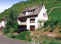 Ferienwohnung in Alken / Mosel - Alken - Building