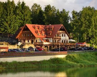 Hotel Leyla - Frymburk - Budova