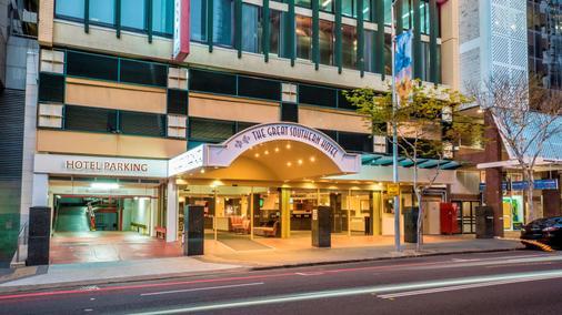 Rendezvous Studio Hotel Brisbane on George - Brisbane - Building