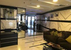Al Waleed Palace Hotel Apartments-al Barsha - Dubai - Lobby