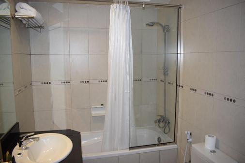 阿爾瓦利德皇庭公寓阿爾巴沙酒店 - 杜拜 - 杜拜 - 浴室