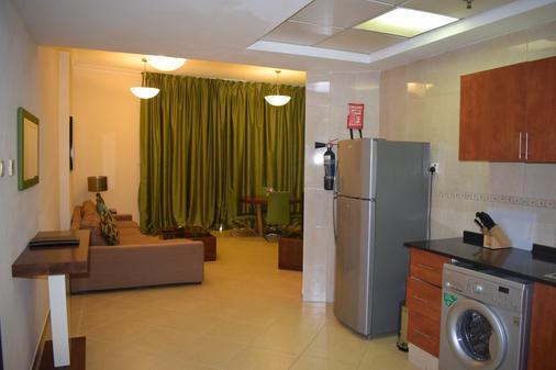 阿爾瓦利德皇庭公寓阿爾巴沙酒店 - 杜拜 - 杜拜 - 陽台