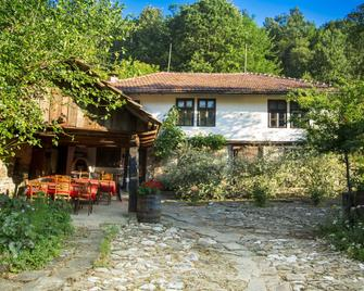 Little River Guest House - Gabrovo - Patio