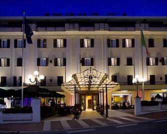 Le Fonti Grand Hotel - Chianciano Terme - Rakennus
