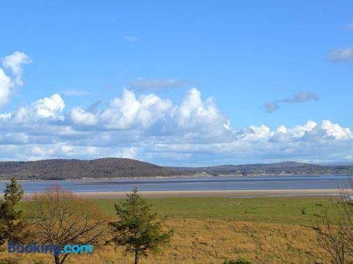 Bay Villa - Grange-over-Sands - Beach