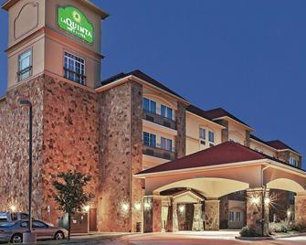 La Quinta Inn & Suites by Wyndham McKinney - McKinney - Gebäude