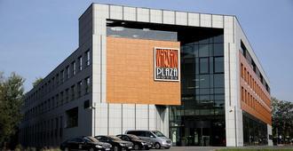 Warsaw Plaza Hotel - Warsaw - Building