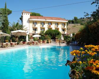 Hotel Caserta Antica - Caserta - Pool