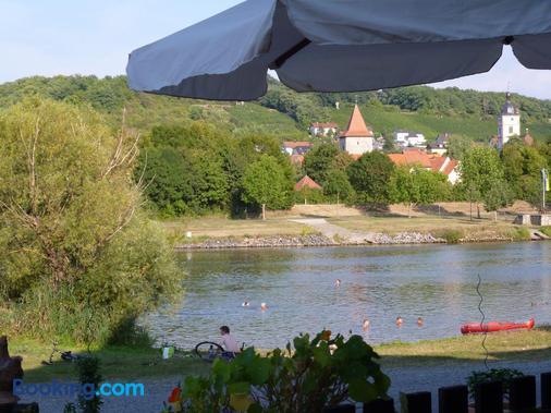 Hotel-Gasthof-Schiff - Sommerhausen - Outdoors view