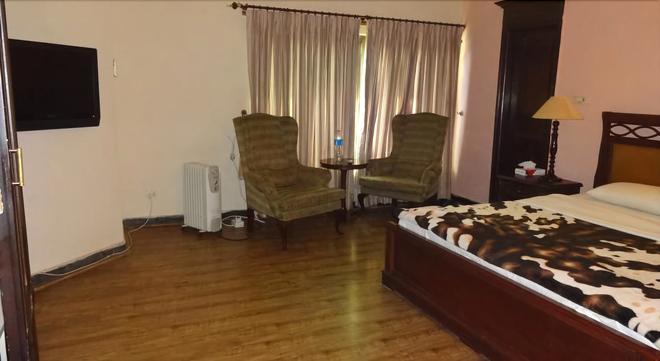 Royal Crown - Islamabad - Bedroom