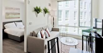 Charming Lower Allston Suites by Sonder - Boston - Living room