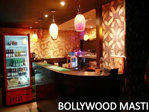 Manhattan Avenue Hotel - Dubai - Bar