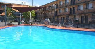 Aza Motel - Lismore - Πισίνα