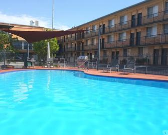 Aza Motel - Lismore - Pool