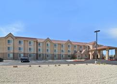 Best Western California City Inn & Suites - California City - Building