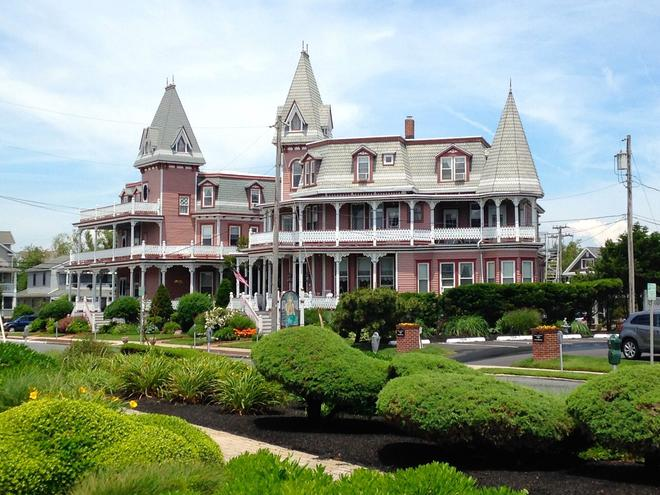 Angel of the Sea - Cape May - Building