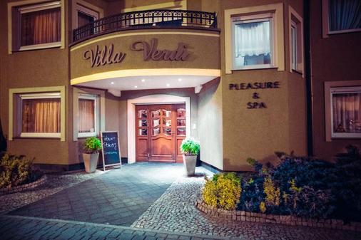 Villa Verdi Pleasure & Spa - Łeba - Gebäude
