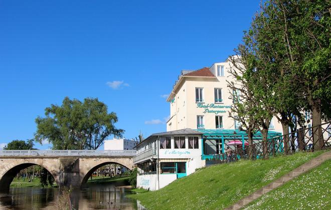 Hotel Restaurant L'Esturgeon - Poissy - Bâtiment