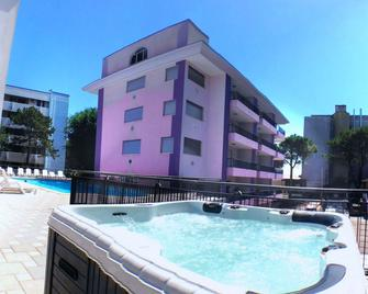 Residence Regent Beach - Bibione - Building