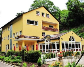 Hotel Goldbächel - Wachenheim an der Weinstraße - Building