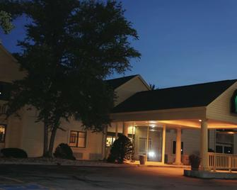 La Quinta Inn by Wyndham Omaha Southwest - Omaha - Building