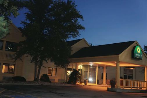 La Quinta Inn Omaha Southwest - Omaha - Building