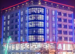 موس جراند هوتل - موس - مبنى
