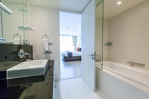 Oakwood Residence Sukhumvit 24, Bangkok - Bangkok - Bathroom